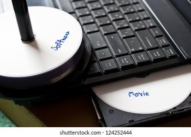 picture concept pirate discs