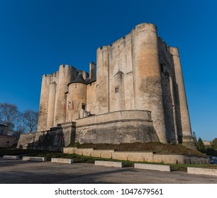 A picture of the Donjon de Niort.