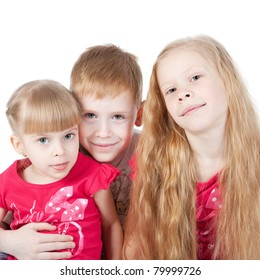 Picture of family of children with two sisters and one brother