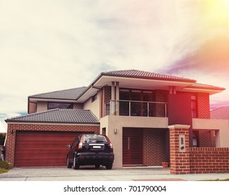 picture of house in sunset
