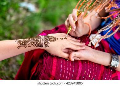 Mehndi Hands Powerpoint : Mehndi hand images stock photos vectors shutterstock