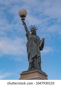 A picture of Poitier's Statue of Liberty.