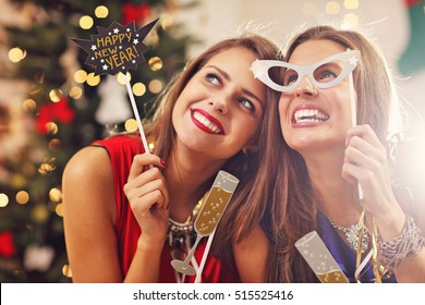 Picture showing best friends celebrating New Year