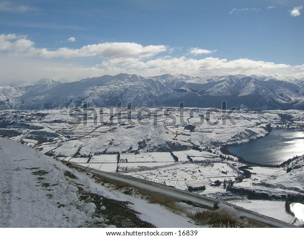 Picture of a snowy valley