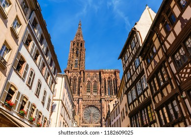 picture of the Strasbourg Cathedral in Strasbourg, France