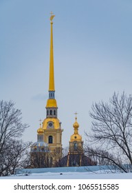 A picture of the tall tower of the Saints Peter and Paul Cathedral.