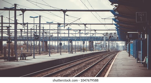 A picture of a train station.