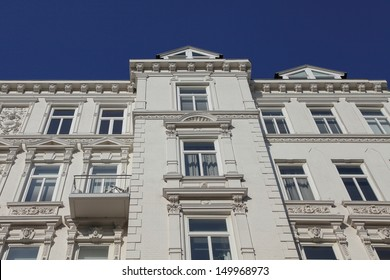 picturesque Art Nouveau residential building in Hamburg, Germany