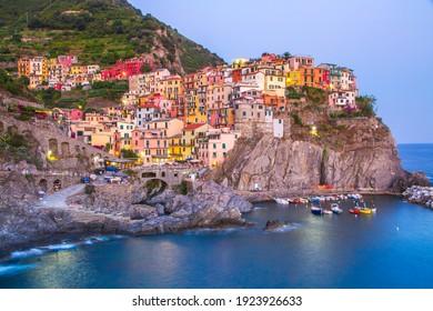 Picturesque coastal village of Manarola, Cinque Terre, Italy.