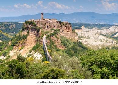 The picturesque hilltop village of Civita de Bagnoregio in Umbria, Italy.