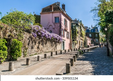 Picturesque house on the Montmartre hill. Paris.