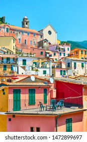 Picturesque houses in Vernazza small town in Cinque Terre, Italy