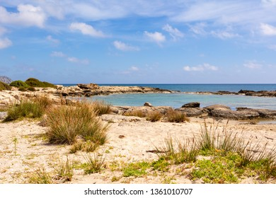 Picturesque landscape of Elafonisi beach with sand and rocks. Crete, Grece