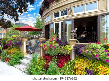 Picturesque Niagara On the Lake city streets in historic city center