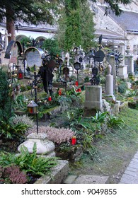 The picturesque St. Peter's Cemetery has kept its present form since 1627. There are enumerable personalities, important in regards to Salzburg history, buried here.