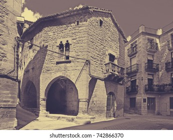 picturesque street with arch  in  Calaceite.  Teruel, Spain