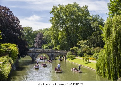 A picturesque view of Clare Bridge over the River Cam in Cambridge, UK.