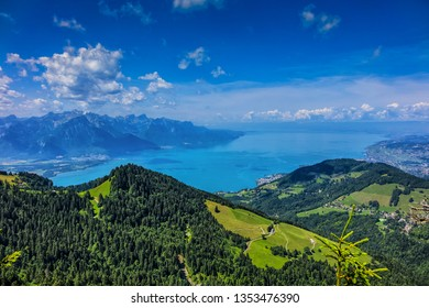 Picturesque views of the Alps and Lac Leman from the pass Col de Jaman. The Col de Jaman (1,512 m) is a mountain pass in the western Swiss Alps. Canton of Vaud, Switzerland.