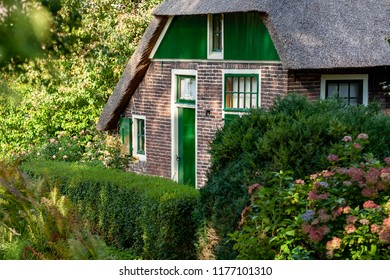 The picturesque village of 'Giethoorn' in the province of 'Overijssel', also called 'Venice of the North' because of the many water canals where tourists do their sightseeing from a boat