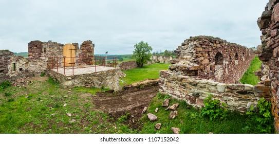 Pidzamochok castle spring ruins panorama, Buchach District, Ternopil Region, Ukraine.  Dating near 1600.