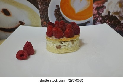Pie with cottage cheese and raspberries