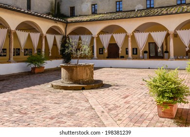 PIENZA, TUSCANY/ITALY - MAY 18 : Old convent now an Hotel in Pienza on May 18, 2013