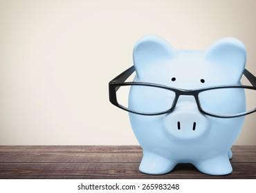 Pig, Intelligence, Glasses.