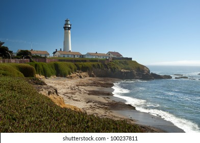 Pigeon Point Lighthouse at Pacific coast along Highway One in Northern California near San Francisco, USA, Pigeon Point Leuchtturm an der Pazifikk�¼ste am Highway 1 in Kalifornien