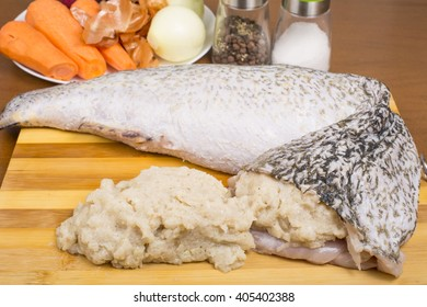 pike's skin stuffed with meat for stewing