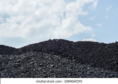 Pile of black coal pieces