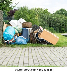 Pile of bulky waste / bulky waste / garbage