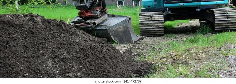 Imágenes, fotos de stock y vectores sobre Landscaping