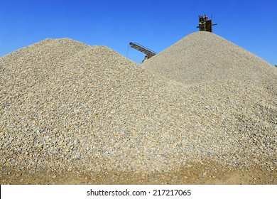 pile of washed river gravel