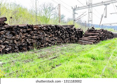 Pile of wooden railway sleepers - Old wooden railway sleepers