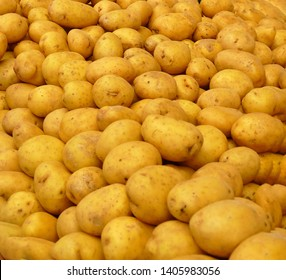 Piles of potatoes and green peppers in the central market of Canakkale, Turkey