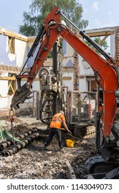 Piling rig and excavator