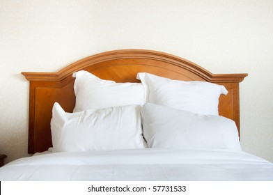 A Large Double Bed Images Stock Photos Vectors Shutterstock