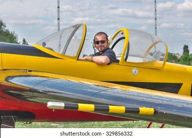 Light Sport Aircraft Images, Stock Photos & Vectors