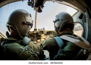 Pilot two soldiers ,  Fighter  war