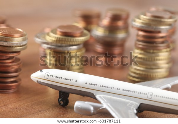 パイロットが集団合意機に金銭を取り付ける