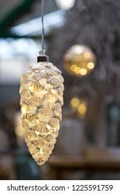 Pine cone Christmas light