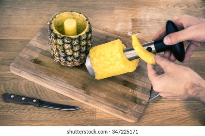 the pineapple corer-slicer