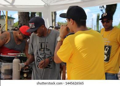 Pinheiro Macado/Rio Grande do Sul/Brazil - 01/27/2h019: Reaction of MCs during rap battle at a hip hop and street culture event presentation