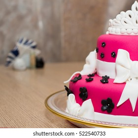 pink birthday cake for girl