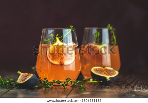 pink-cocktail-fig-thyme-ice-600w-1506951