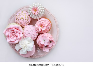 Cupcake with buttercream and fondant flowers images stock photos pink cupcakes wedding sweets mightylinksfo