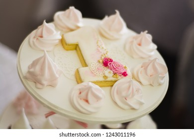 """Pink """"Forgotten kisses"""" on first baby's birthday"""
