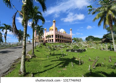 The Pink Mosque is one of the popular tourism landmarks in the city of Kuching, Sarawak, Malaysia.