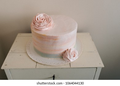 Pink Ombre cake with roses