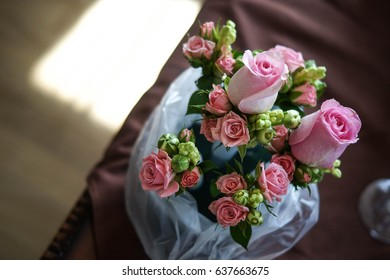 Pink roses - Shutterstock ID 637663675